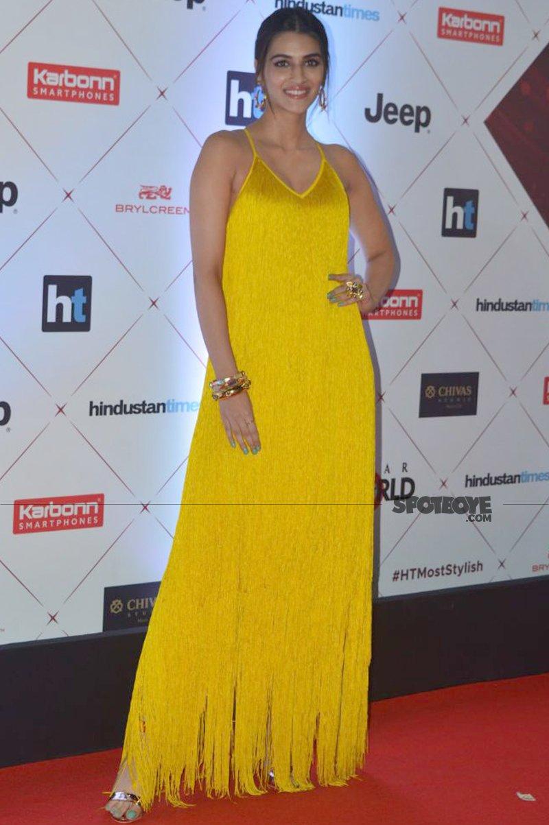 kriti sanon at ht most stylish awards
