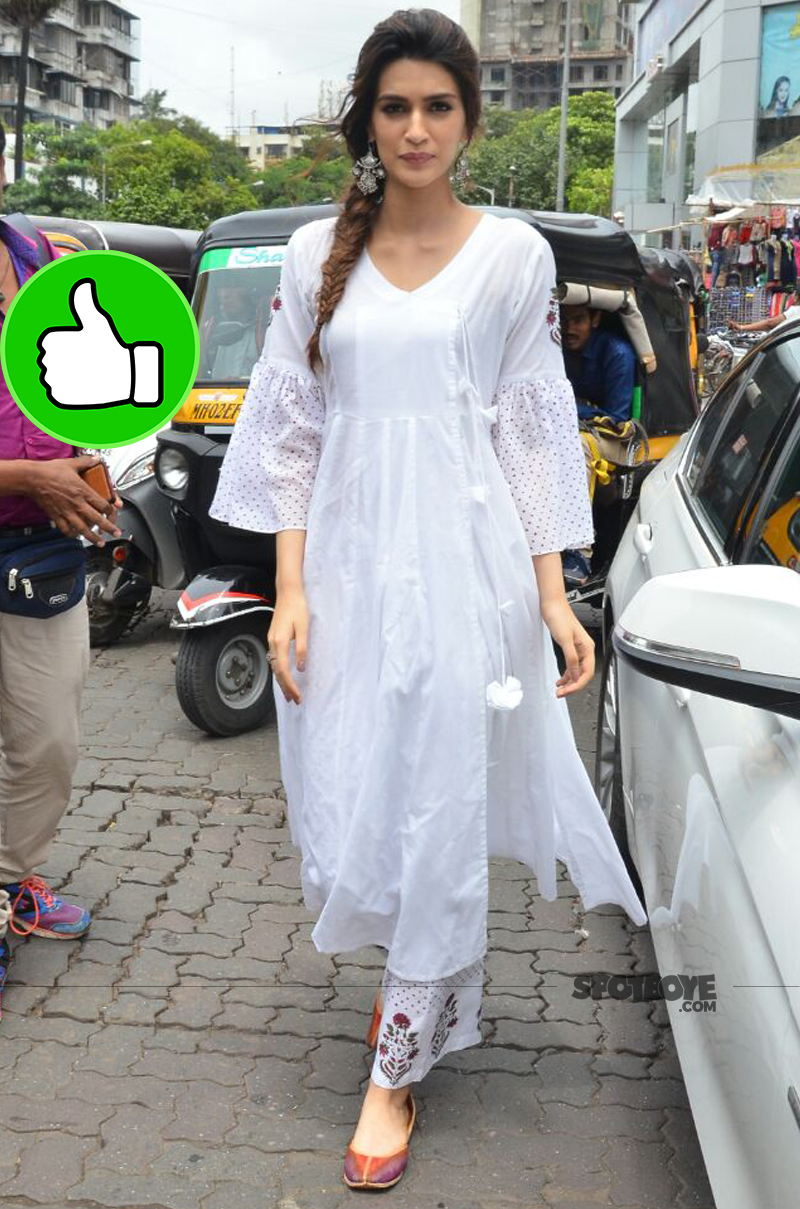 kriti sanon snapped during bareilly ki barfi promotions