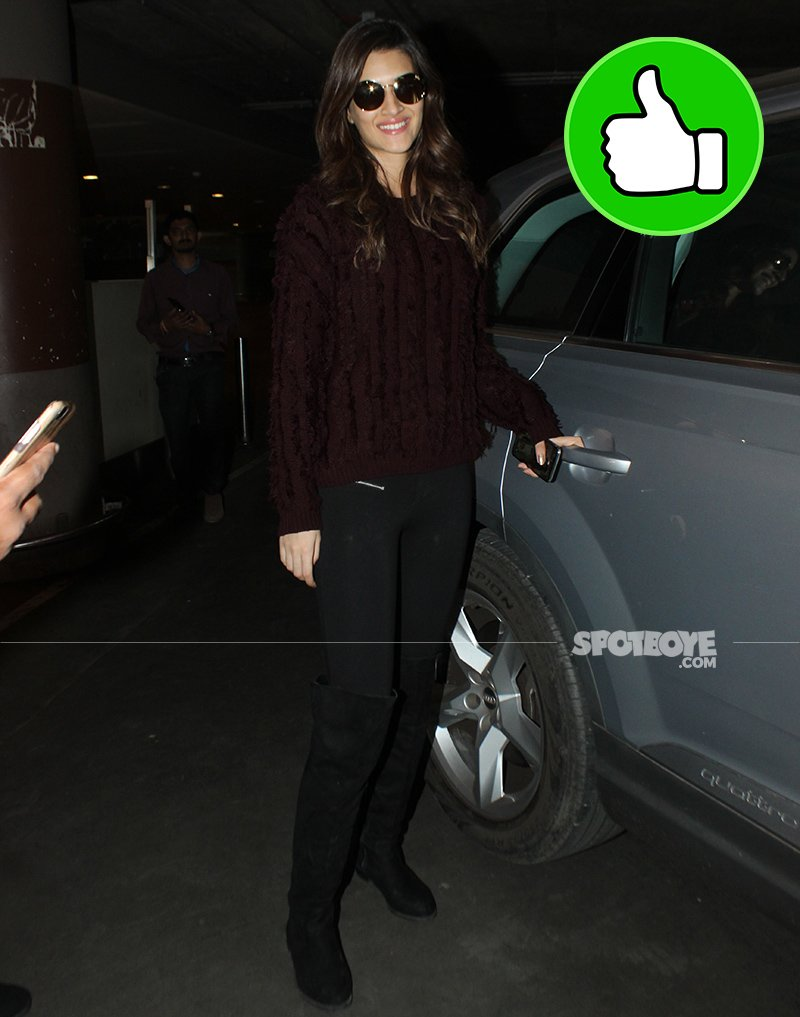 kriti sanon spotted exiting the airport