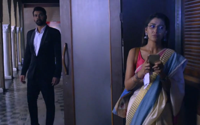 Kumkum Bhagya July 19, 2019, Written Updates Of Full Episode: Prachi Sends Abhi To Console Pragya
