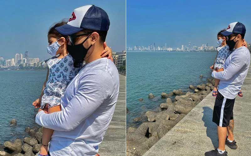 Months After Cousin Taimur Ali Khan's Marine Drive Rendezvous, Cousin Inaaya Naumi Kemmu Too Enjoys Sweet Breeze At Seafront