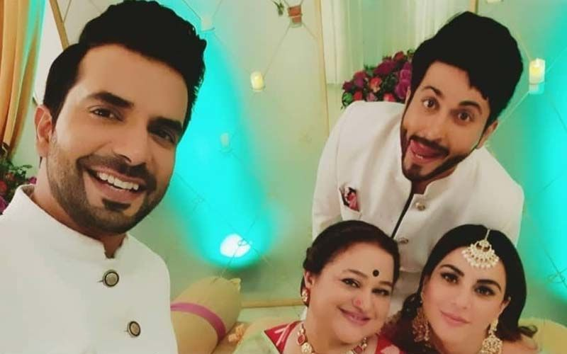 4 Years Of Kundali Bhagya: Shraddha Arya, Dheeraj Dhooper And Others Celebrate In Style; Actress Calls It A 'Dream' -See PICS