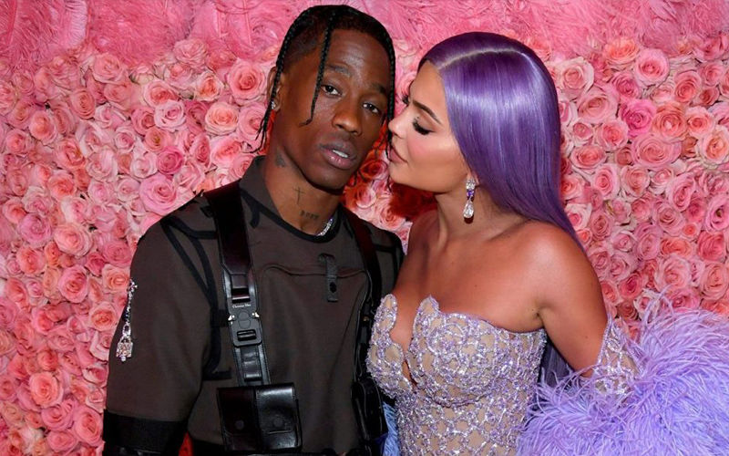 Kylie Jenner Birthday: Travis Scott Covers Her Entire Mansion In Roses