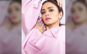 Lokmat Most Stylish Awards 2019: Most Stylish Female Actor For Her Contribution In Regional Cinema Is Amruta Khanvilkar