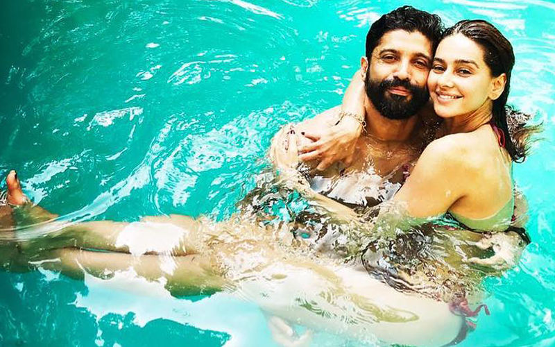 Farhan Akhtar declares his love for girlfriend Shibani Dandekar