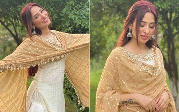 Mahira Sharma's Latest Picture Wearing Patiala Is A Treat To Sore Eyes; Paras Calls Her Punjab Ki Billo