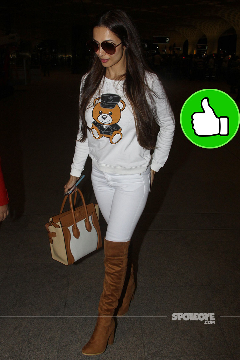 malaika arora snapped at mumbai airport