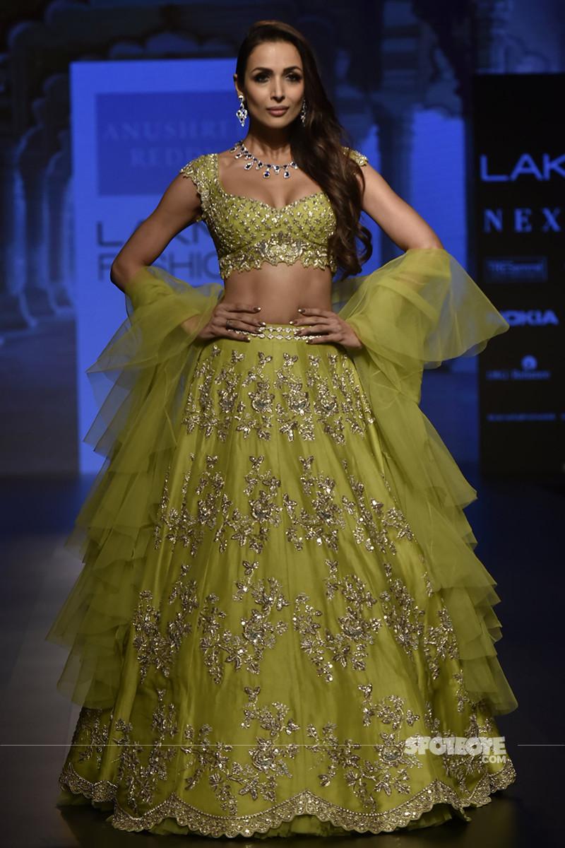 malaika arora walks the ramp for lakme fashion week 2018