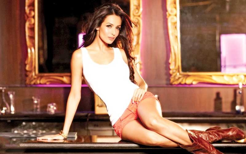 Malaika Arora Sees 'Khan' On Her Name Tag At An Event; Refuses To Go On Until It Is Deleted