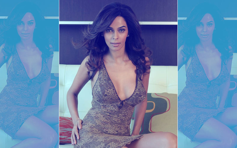 Mallika Sherawat: 'Get Intimate With Me Off-Screen', 'Come To Me At 3 Am'- Things I Got To Hear...