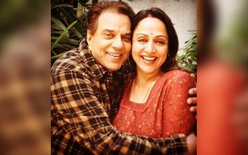 Happy Birthday Hema Malini: Loved Up Family Pictures Of The Dream Girl With Dharmendra, And Daughters Esha And Ahana Deol