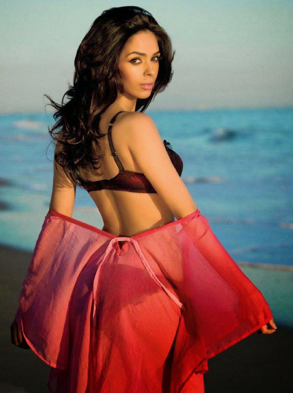 Mallika Sherawat Nude Photos 65