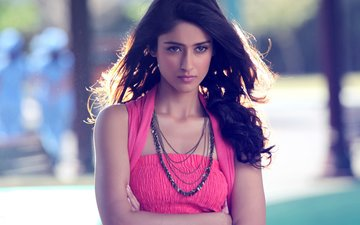 Man Misbehaves With Ileana D'Cruz, Actress Blasts Him On Twitter