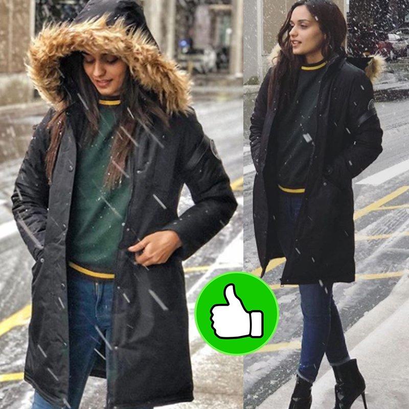 manushi chhillar enjoying snow