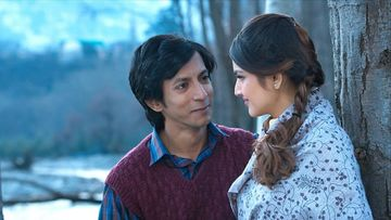 Mastram: Anshuman Jha And Tara Alisha Berry's Jadoo Ki Jhappis Kept Them Warm While Shooting In The Cold