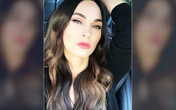 After Parting Ways With Brian Austin Green, Megan Fox Removes Her Wedding Ring But Keeps The Family Name 'Green' During Live Session