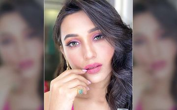 Mimi Chakraborty Looks Nothing Less Than Diva In This New Picture