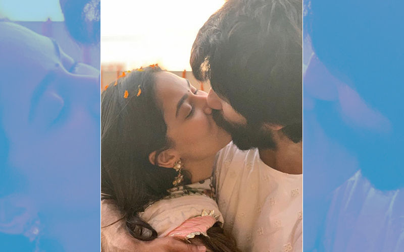 Mira Rajput-Shahid Kapoor Lock Lips. It Doesn't Get More Passionate Than This