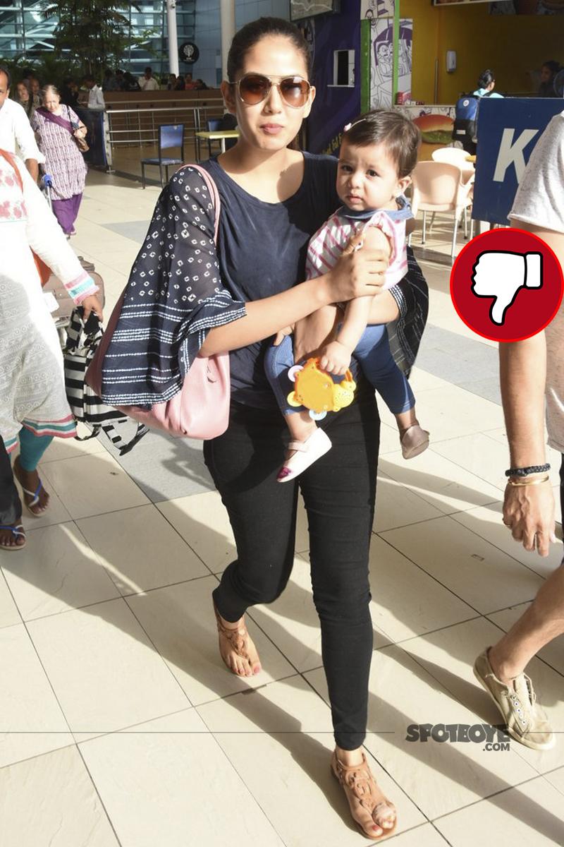 mira rajput snapped at mumbai airport