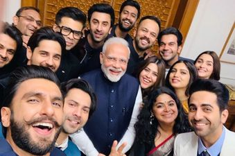 PM नरेंद्र मोदी ने लगाई दहाड़, कहा- कश्मीर में बॉलीवुड के साथ-साथ अब इंटरनेशनल फिल्मों की भी होगी शूटिंग
