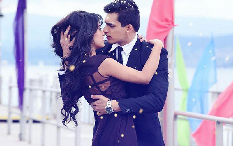 IN PICS: Mohsin Khan & Shivangi Joshi Of Yeh Rishta Kya Kehlata Hai Get Intimate