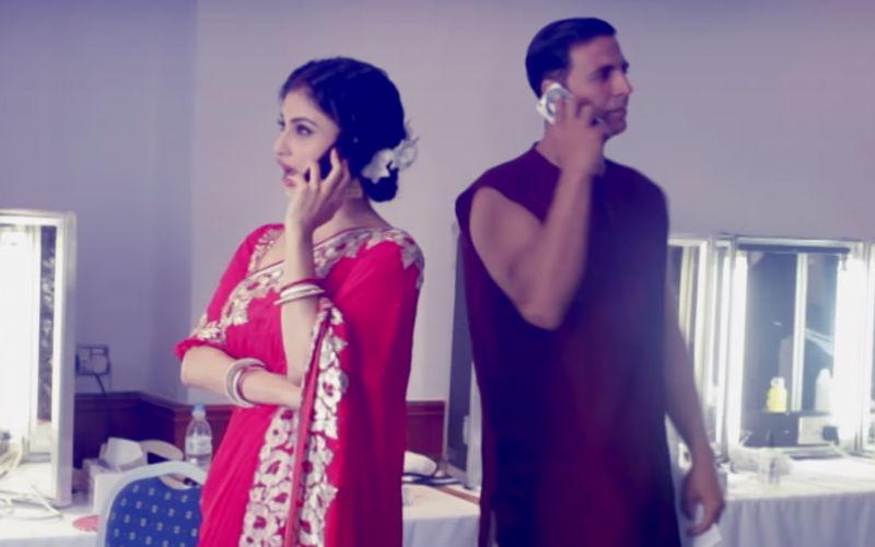 Mouni Roy Gets Fooled As Akshay Kumar Turns Fake Reporter- Video