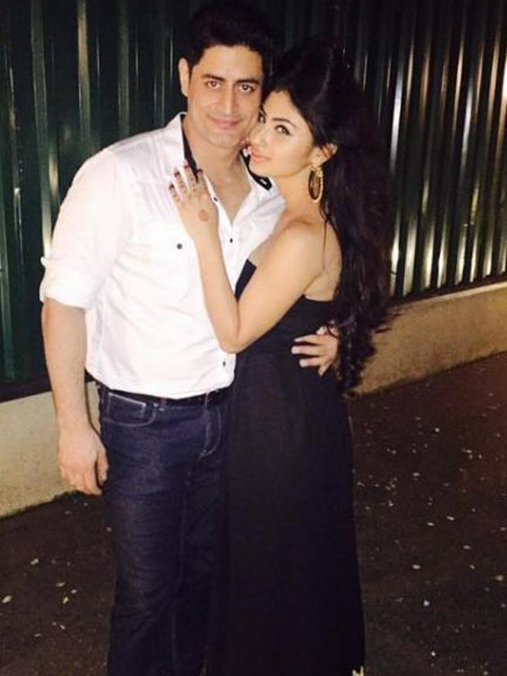 mouni roy and mohit raina share a cute picture