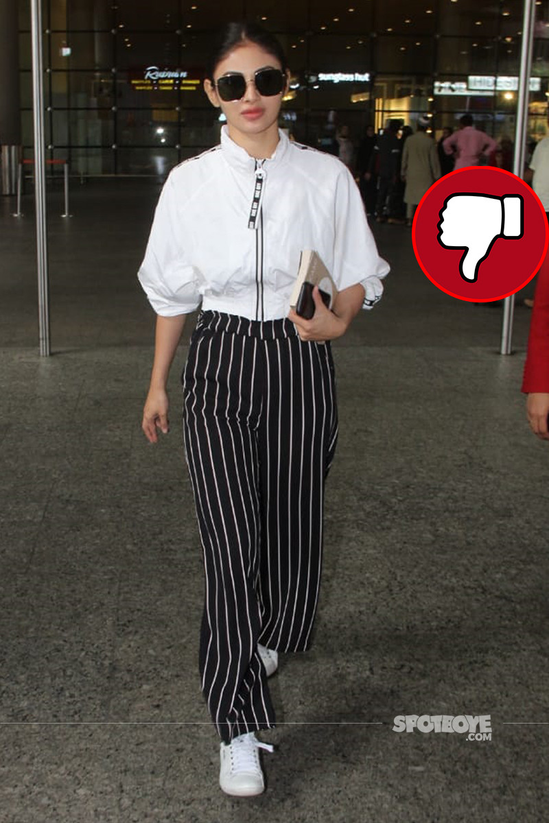 mouni roy at the airport