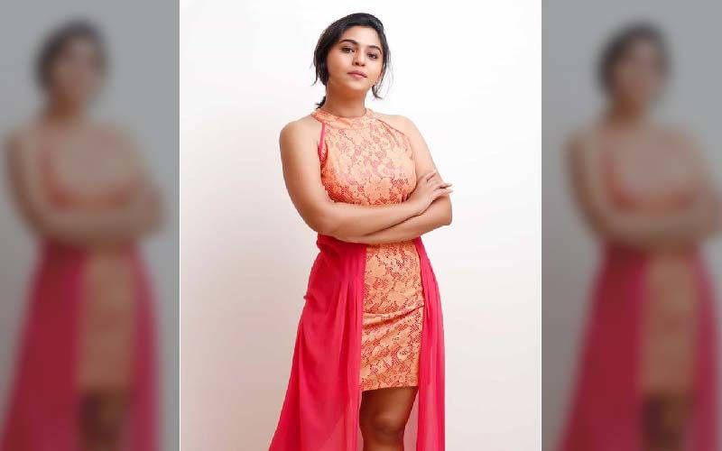 Mrunmayee Deshpande Sets Temperatures Soaring As She Goes Bold In A Revealing Hot Photoshoot