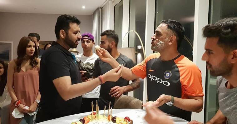ms dhoni celebrates his birthday