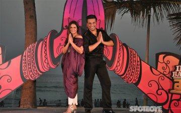 Krushna Abhishek & Mona Singh At The Launch Of India Banega Manch