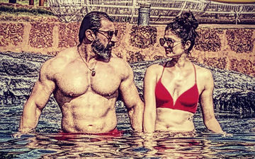 Pooja Batra And Nawab Shah's Pool Picture Is Too Hot To Handle!