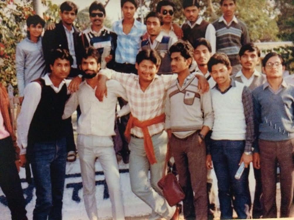 nawazuddin siddiqui college group picture