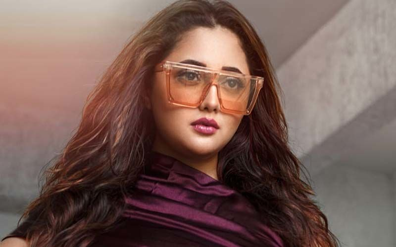 Rashami Desai's Villainous Avatar Shalaka From Naagin 4 Trends On Social Media Again; Actress Sends Out Love To Her Fans