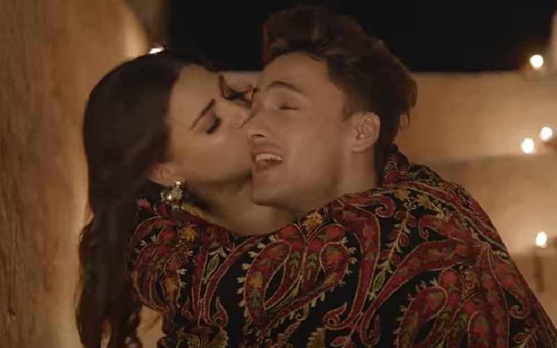 Khyaal Rakhya Kar Out Now: Asim Riaz And Himanshi Khurana's Desi Love Story Is Oh-So-Sweet - WATCH