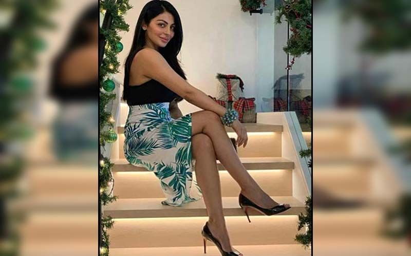 Neeru Bajwa's Family Photoshoot With Daughters Is The Cutest Thing You See On Insta Today