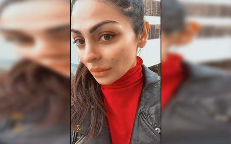 """Neeru Bajwa Takes Over Summer Vibes In A Gorgeous Outfit; Says """"Maybe it's Time For A Change"""""""
