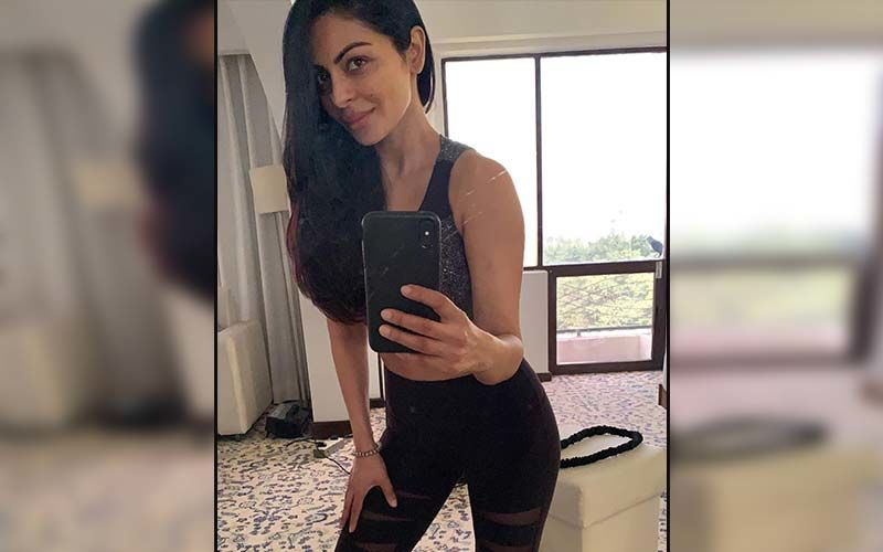 Neeru Bajwa Has A Stunning Response To A Troller Asking Her To Behave Like Mothers; Check It Out