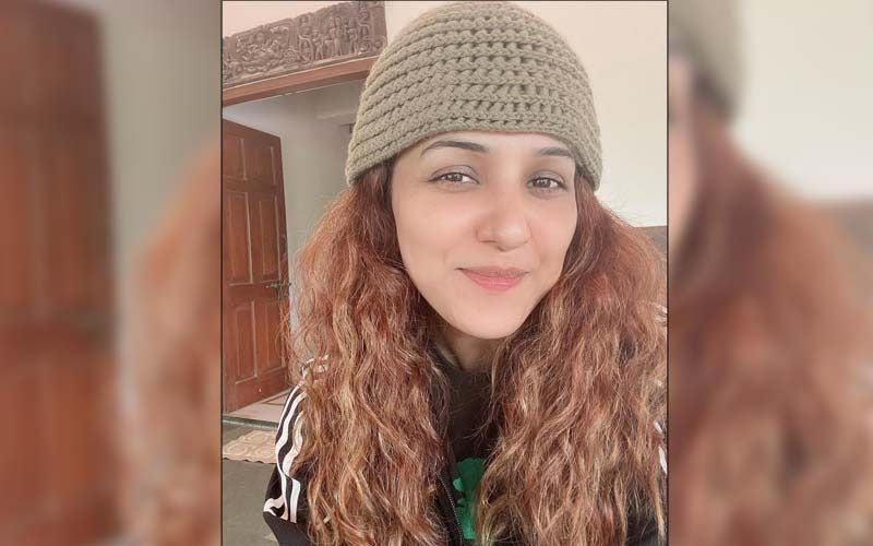 Pregnant Neeti Mohan Pens A Sweet Note Describing How Having A Little Life Growing Inside Her Feels; Says 'I Love Singing All The More'