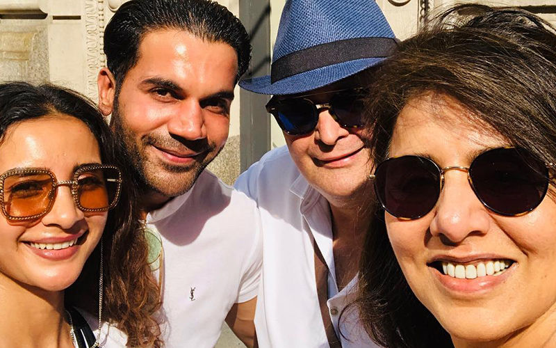 Neetu Kapoor And Rishi Kapoor 'Chalte Chalte Met' Rajkummar Rao And Patralekhaa - Snapshot From New York