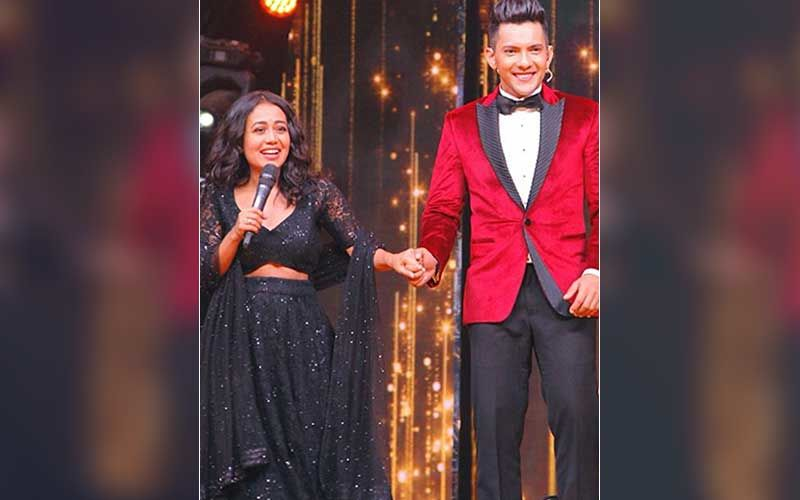 Indian Idol 11 S Judge Neha Kakkar Wants To Be With Aditya Narayan After Coronavirus Lockdown Shares A Hand In Hand Photo