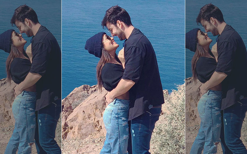 Neha Kakkar Wants Social Media To NOT Slam Her Ex-Boyfriend Himansh Kohli
