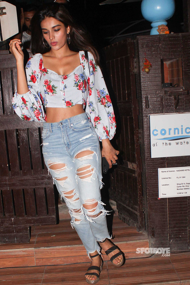 nidhhi agerwal snapped post dinner