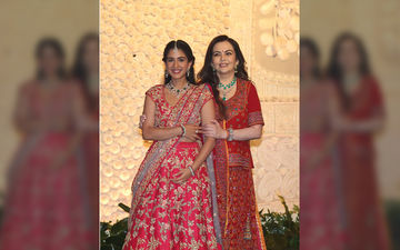 Ganeshotsav 2019: Nita Ambani Strikes A Pose With Son Anant Ambani's Girlfriend And Future Daughter-In-Law Radhika Merchant At Their Ganpati Festival