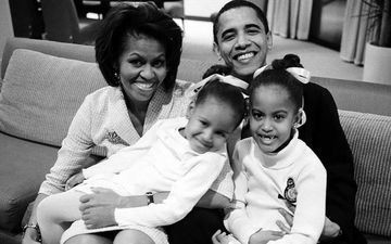 Thanksgiving 2019: Former US President Barack Obama And Michelle Obama's Daughters Malia And Sasha Look Gorgeous In New Snap