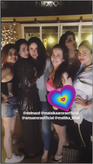 kareena with friends at party