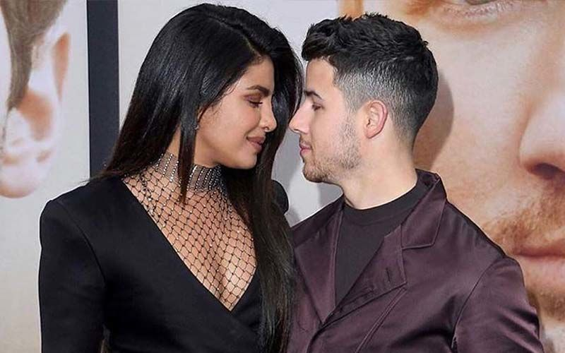 """Nick Jonas Strikes A """"Cool Guy Pose"""" And Explains The Two Step Process; Priyanka Chopra Calls Him The 'Funniest Guy' Ever"""
