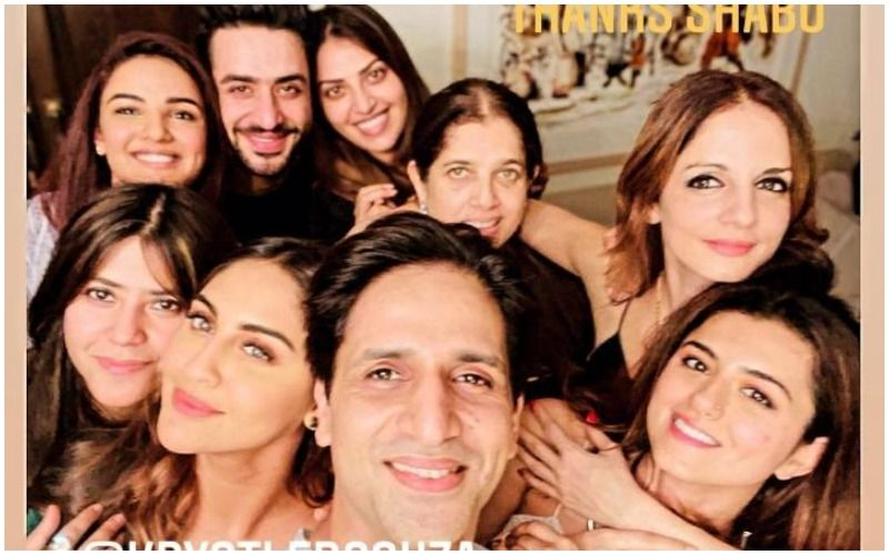 Bigg Boss 14's Jasmin Bhasin- Aly Goni Have A Blast At A Party With Arslan Goni, Sussanne Khan, Ekta Kapoor And Others; Pose For Fun Groupfies