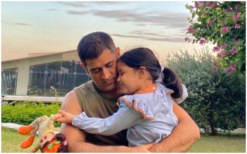 MS Dhoni's Adorable Pictures With Daughter Ziva Go Viral On Social Media; Fans Miss The Little One Cheering For Her Father During IPL Matches
