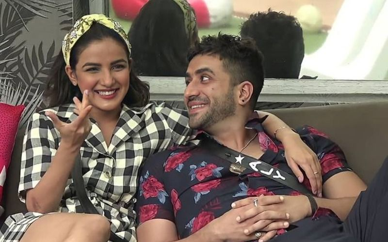 Bigg Boss 14's Jasmin Bhasin Responds To Paparazzi's Question About Her Marriage With Aly Goni; Says 'Possible Hi Nahi Hai Abhi'